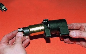 Снятие электробензонасоса с датчиком уровня топлива Ваз-2112