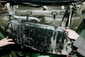 Снятие и замена топливного бака Ваз-2110