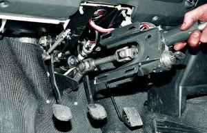 Снятие и замена рулевого вала Ваз-2107