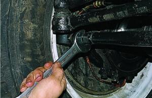 Регулировка схождения  колес уаз