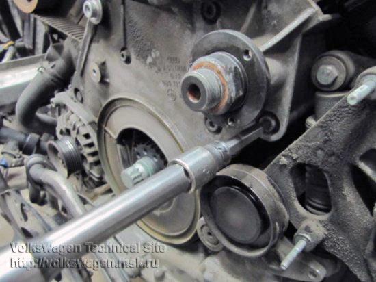 Замена ремней привода ГРМ и ТНВД на Audi A6 2.5 TDI V6